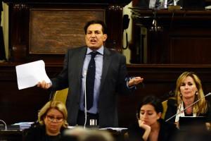 Sicilia: Crocetta in aula attacca M5s, siete politicanti