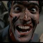 Sam Raimi, dopo essersi mostrato al mondo con La Casa, gira un sequel comicissimo per le innumerevoli scene splatter-trash che tira fuori dal suo cilindro. Imperdibile anche il seguito, L'Armata delle Tenebre anche questo con protagonista Bruce Campbell
