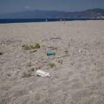 Sporcizia Spiaggia Capo Peloro Torre Faro