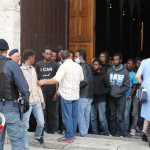 Sbarco migranti profughi 26 giugno 2014 (43)