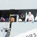 27 agosto 2013 Sbarco migranti al porto di Messina (13)