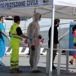 27 agosto 2013 Sbarco migranti al porto di Messina (14)