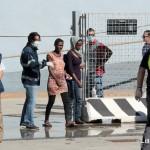 27 agosto 2013 Sbarco migranti al porto di Messina (15)