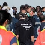 27 agosto 2013 Sbarco migranti al porto di Messina (25)