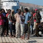 27 agosto 2013 Sbarco migranti al porto di Messina (37)