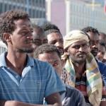 27 agosto 2013 Sbarco migranti al porto di Messina (41)