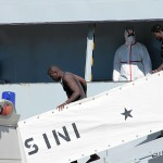 27 agosto 2013 Sbarco migranti al porto di Messina (7)