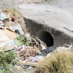1 settembre 2014 rifiuti e suppellettili invadono il torrente Zafferia,  rischio idrogeologico  ed inquinamento ambientale (10)