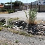 1 settembre 2014 rifiuti e suppellettili invadono il torrente Zafferia,  rischio idrogeologico  ed inquinamento ambientale (14)