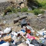 1 settembre 2014 rifiuti e suppellettili invadono il torrente Zafferia,  rischio idrogeologico  ed inquinamento ambientale (18)