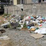 1 settembre 2014 rifiuti e suppellettili invadono il torrente Zafferia,  rischio idrogeologico  ed inquinamento ambientale (4)