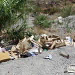 1 settembre 2014 rifiuti e suppellettili invadono il torrente Zafferia,  rischio idrogeologico  ed inquinamento ambientale (9)