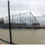 Galati Marina la mareggiata del 7 novembre 2014 invade l'area del campo di calcio  (2)