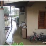 Galati Marina la mareggiata del 7 novembre 2014 invade le case  (1)