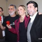 Auguri natale 2014 sindaco Accorinti ed Emilia Barrile  con Signorino e Le Donne