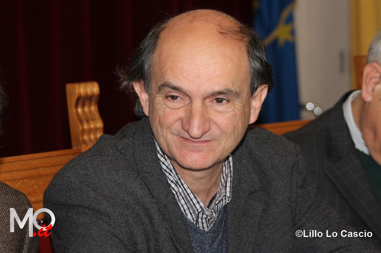 Auguri natale 2014 sindaco Accorinti foto archivio assessore Ialacqua