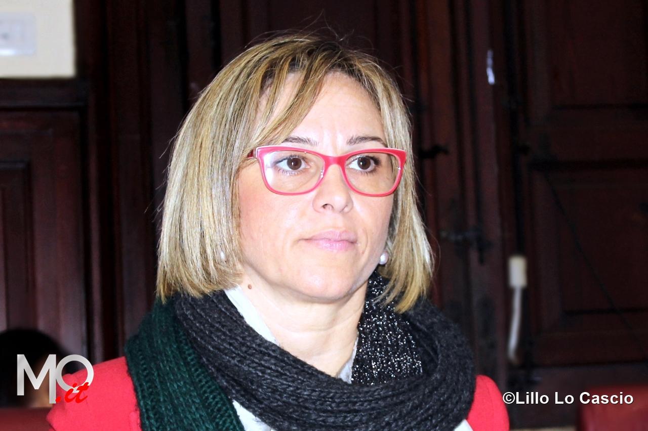 foto archivio presidente consiglio comunale Emilia Barrile (1)