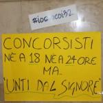 Manifesto di protesta a palazzo Zanca
