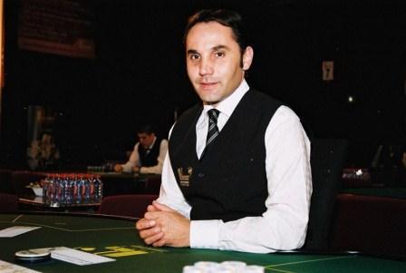 Croupier_de_Hold'em_Poker