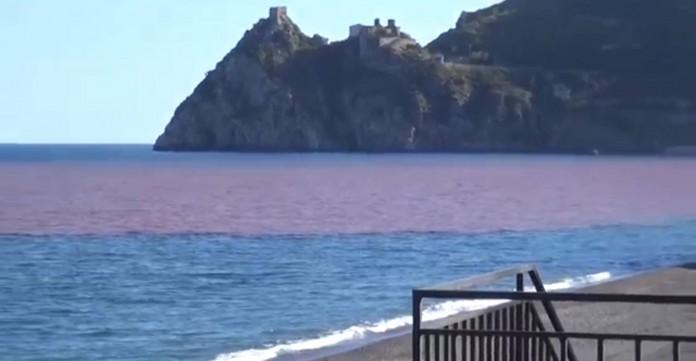 S. Alessio, il mare si tinge di rosso. Messina senz'acqua