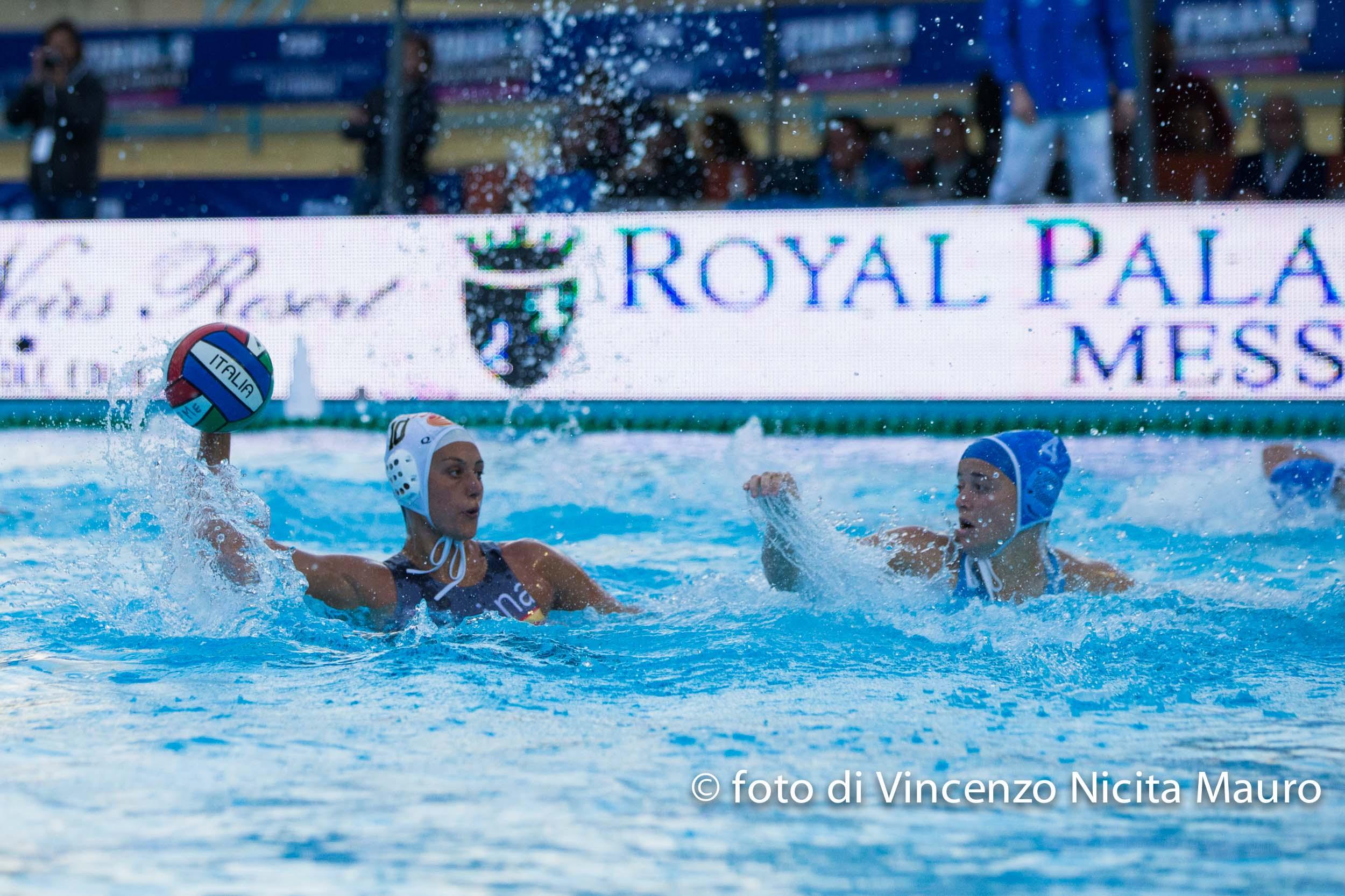 Pallanuoto femminile a1 e 39 finale scudetto per la for Piscina e maschile o femminile