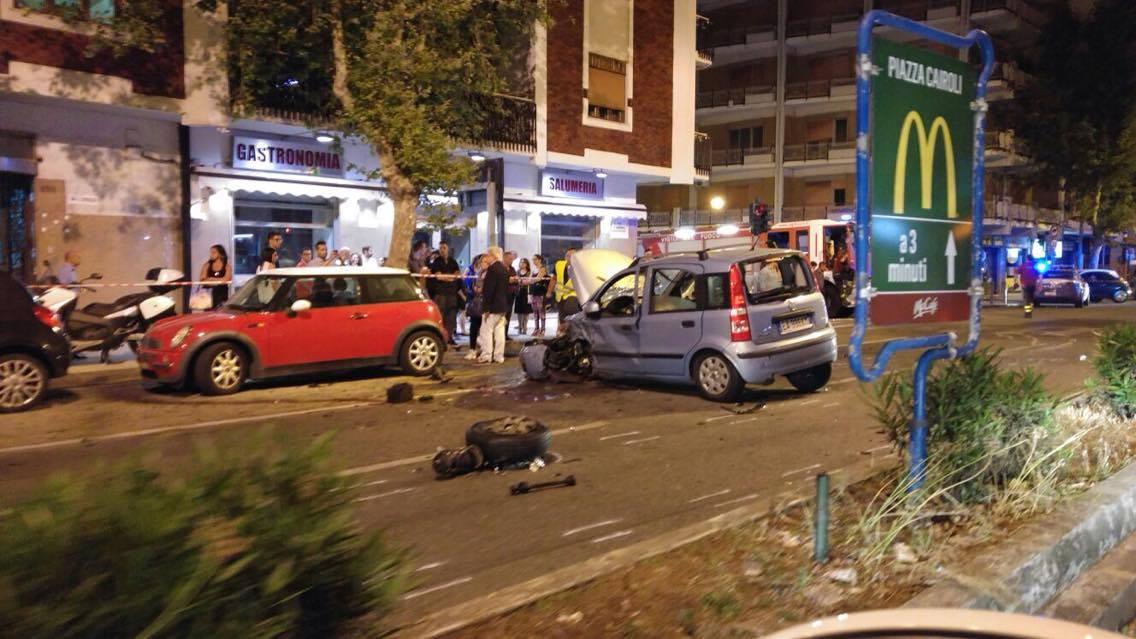 Sicilia, scontro frontale tra veicoli: 6 feriti, grave una 23enne