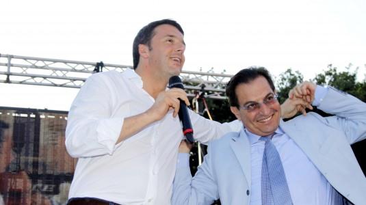 Renzi firma il Patto: