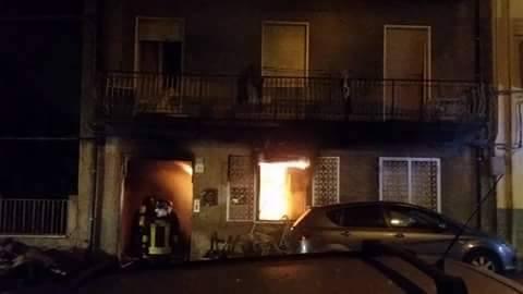 Barcellona Pozzo di Gotto, un uomo muore nell'incendio della sua casa