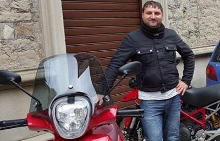 Terribile incidente nel Messinese, muore un motociclista
