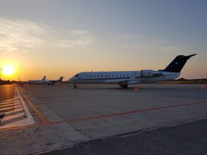 Bombardier-Canadair-CRJ 200 sul piazzale