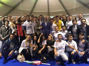I giovani sostenitori con Nino Germanà