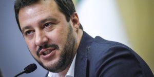 29/05/2014 Roma,  Camera dei Deputati, conferenza stampa di FI e Lega Nord. Forza Italia annuncia la firma dei referendum della Lega per reintrodurre il reato di immigrazione clandestina e per l' abolizione della riforma Fornero. Nella foto Matteo Salvini