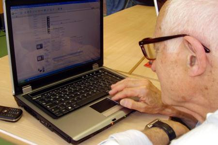 Reintegrato a lavoro a 80 anni: dirigente della motorizzazione viene assolto