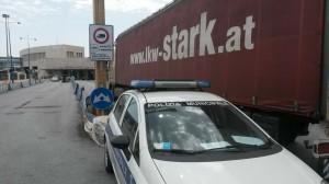 tir blocco polizia municipale
