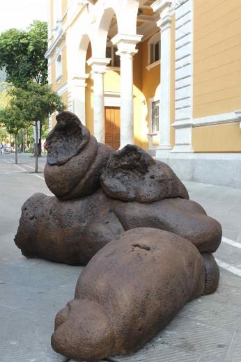 La maxi-cacca di Paul McCarthy -Biennale di Carrara 2010